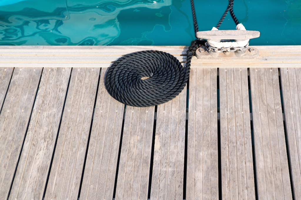 deck-cleat-and-black-rope-on-Marinaquip-website